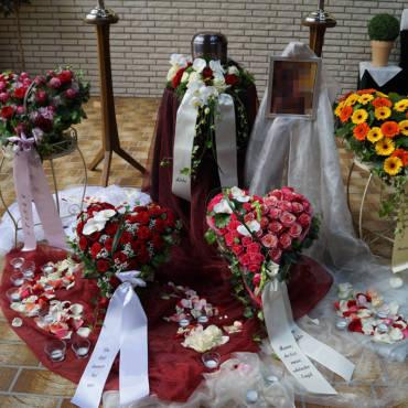 Trauerfloristik: Blumen und ihre Symbolik